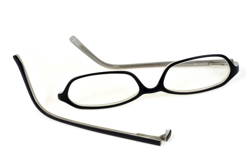 Réparation des lunettes et montures cassées : comment faire ?
